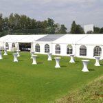 grosse Zelte und Mobiliar fuer Firmenfeiern mieten